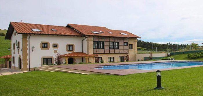 Posada Casona de la Ventilla, Posadas rurales con piscina en Laredo Cantabria