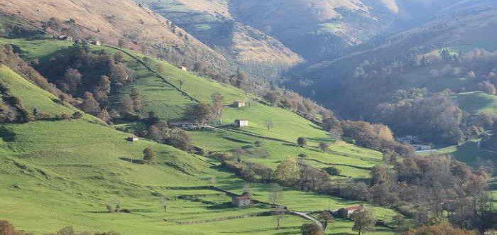 Subida al Monte Carceña Santa María de Cayón, Ruta monte Carceña