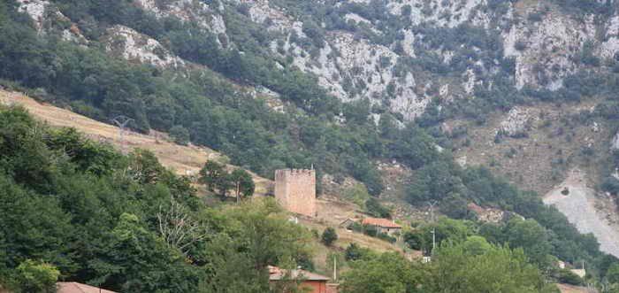 Torre de Linares Peñarrubia, Torre defensiva de Peñarrubia Cantabria