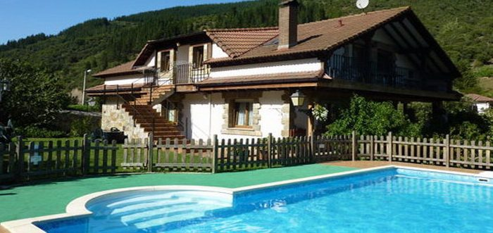 Viviendas Rurales Valverde, Viviendas rurales con piscina en Frama Cabezón de Liébana Cantabria
