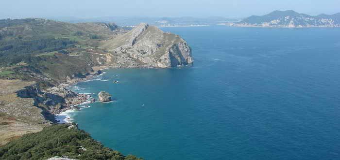 Playa de San Julian Liendo, Playas con encanto Liendo (Cantabria)