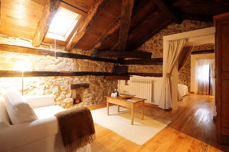 Hotel Casona de Quintana Hotel con encanto en valle de Asón Habitación Junior suite