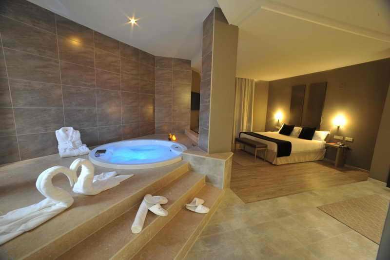 Hotel jacuzzi cantabria hoteles con habitaciones con for Hoteles con jacuzzi en la habitacion
