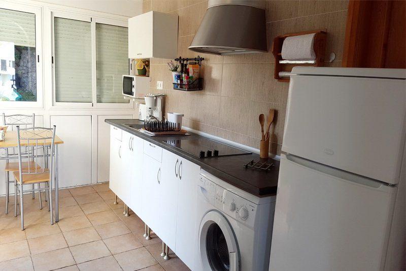 Apartamentos El Sel apartamentos en Isla Cantabria Cocina