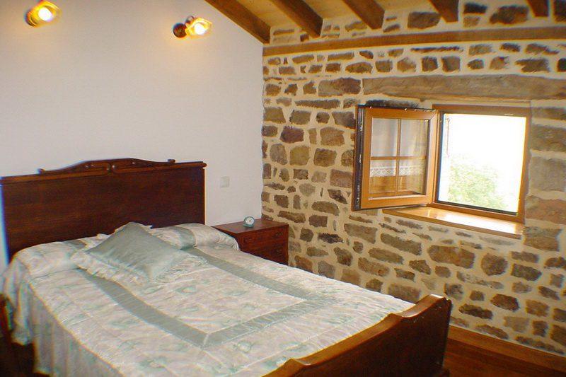 Cabaña Coterón Cabaña Pasiega en Selaya Valles Pasiegos Cantabria Habitación dormitorio
