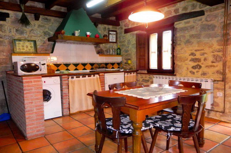 Casa Rural Casa de la Sierra Casa rural en Totero de Cayon Cantabria Cocina comedor