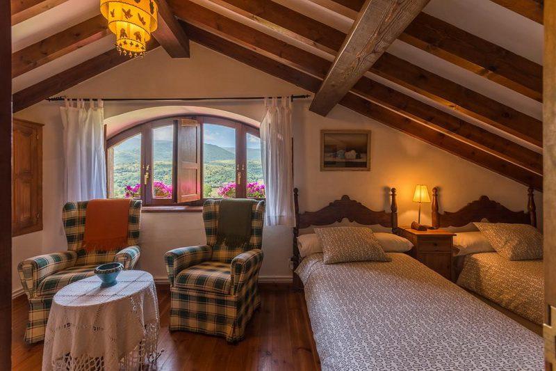 Casa rural Casavieja Casa rural en Hoz de Abiada Campoo Cantabria Habitación con dos camas