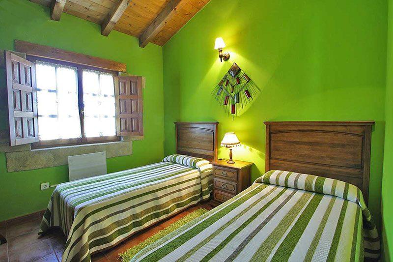Casa rural El Rincón de Lalo Casa rural en Corvera de Toranzo Cantabria Habitación de dos camas