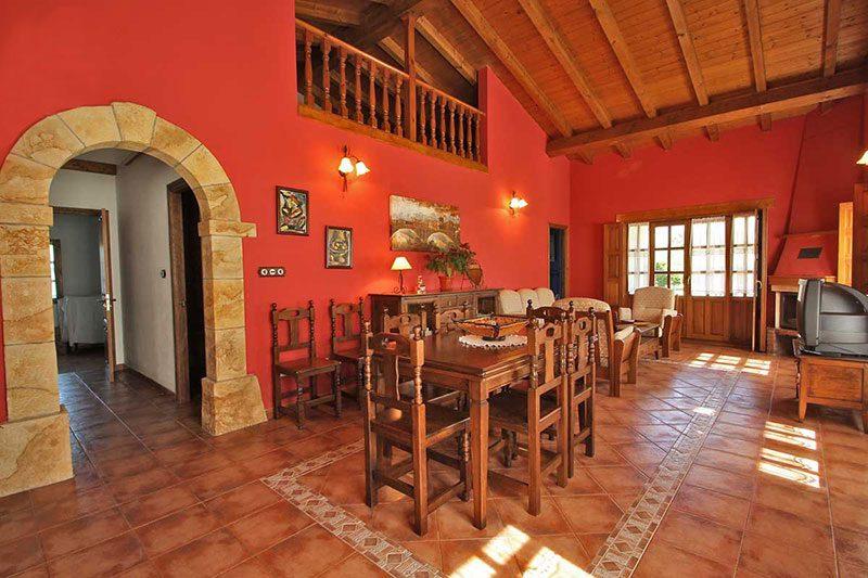 Casa rural El Rincón de Lalo Casa rural en Corvera de Toranzo Cantabria Salón