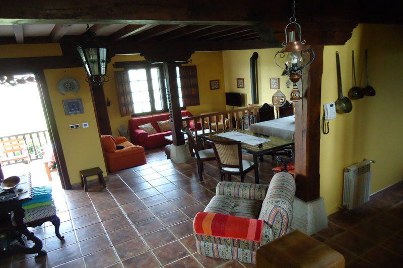 Casa rural Hualdea, Casa rural en Villapresente (Cantabria) Salón Comedor