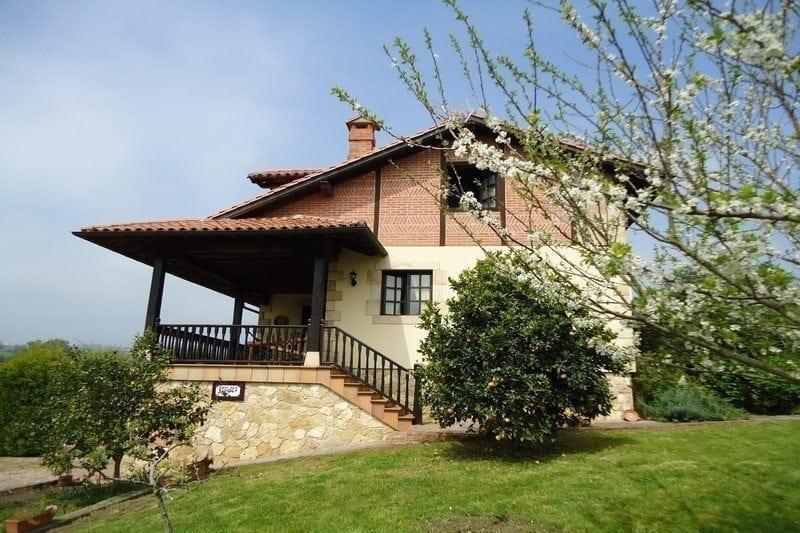 Casa Rural Hualdea Casa rural en Villapresente (Cantabria)