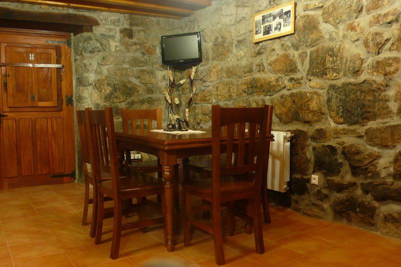 Casa rural Las Espinas Casa rural en Valdicio Soba Cantabria Comedor