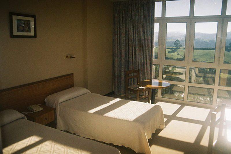 Hotel Dunas de Oyambre Hotel en Trasvia Comillas Cantabria  Habitación