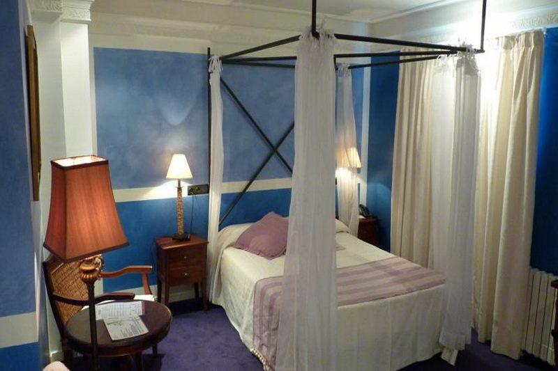 Hotel Marina de Campio, Hotel con restaurante en Comillas Cantabria Habitación