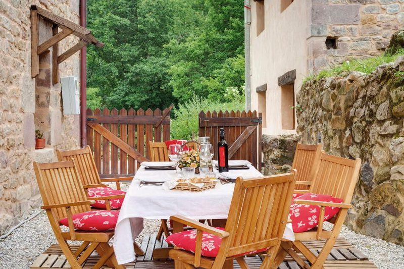 La Balbina Alojamiento rural en Santa Maria de Cayon Cantabria Terraza Exterior