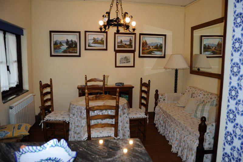 Posada La Solana Montañesa Alojamiento rural en Comillas Cantabria Sala de Estar