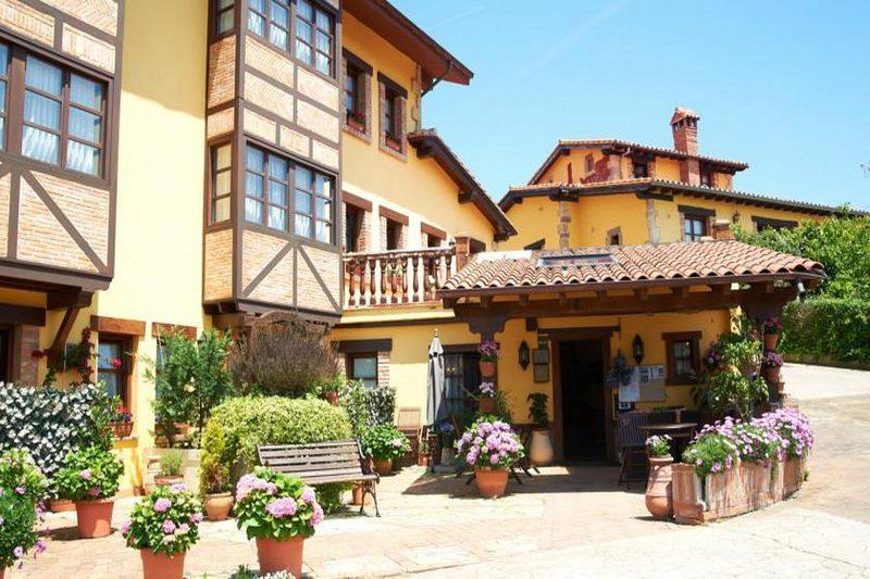 Posada La Solana Montañesa Alojamiento rural en Comillas Cantabria Exterior