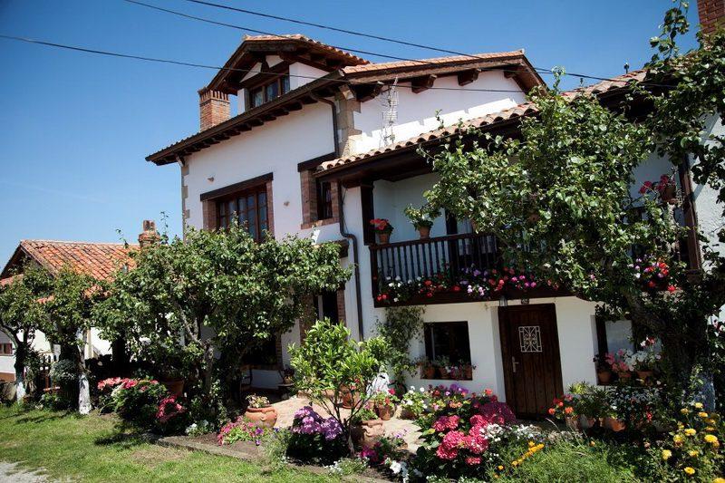 Posada Rural Mari Paz Posada Rural en Comillas Cantabria Exterior