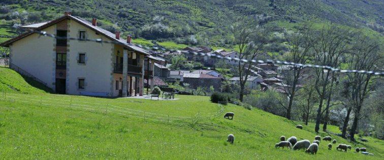 Casa Rural El Tombo de Santa Catalina Casa rural en Cicera Cantabria