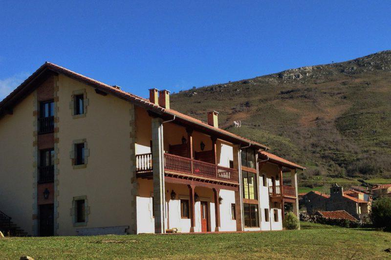 Casa Rural El Tombo de Santa Catalina Casa rural en Cicera Cantabria Exterior