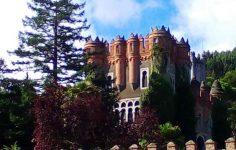 Palacete Castillo observatorio y Jardines de Ocharan en Castro Urdiales