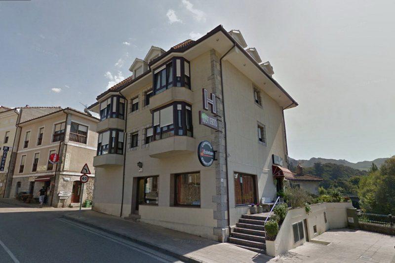 Fechada del Hotel Riotuerto, Hotel familiar cerca de Cabarceno en La Cavada Cantabria