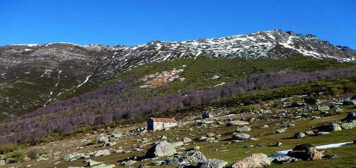 Sierra de Peña Sagra, Qué ver en Liébana (Cantabria) Lugares de Interés