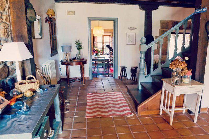 Hall y recibidor de la casa rural en carmona cantabria, Posada La Infinita Rural Boutique