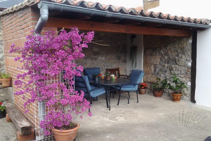 Albergue camino de Santiago Cantabria, Albergue El Pino Socarreña como salón