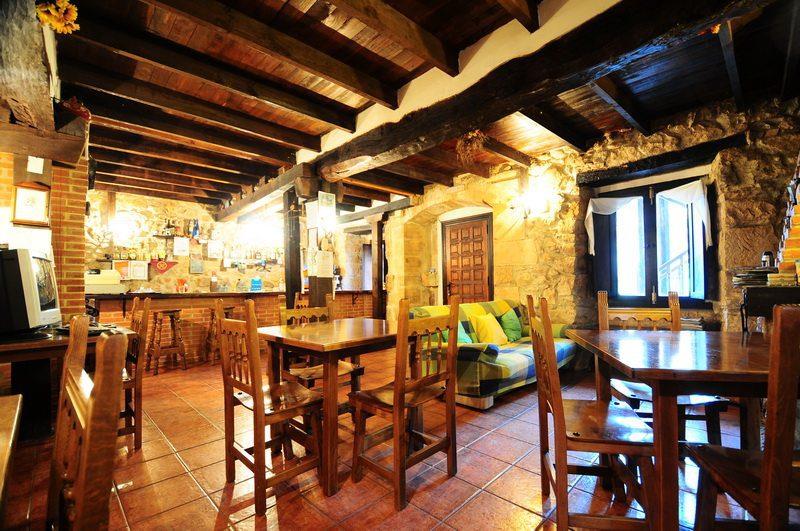 Detalle del restaurante en la Casa rural en Cicera Posada La Escuela de Cicera