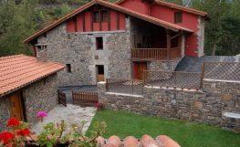 Casa rural en Potes con Piscina