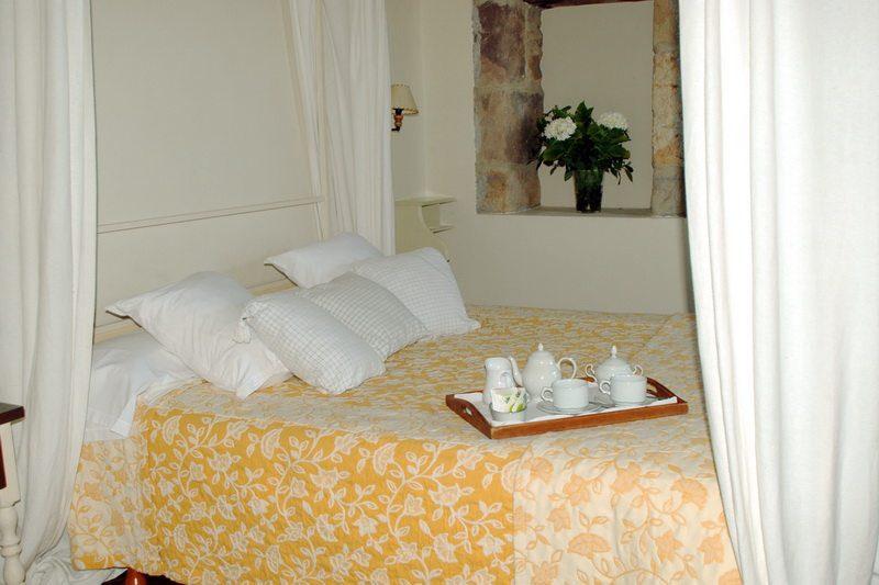 Hotel rural con encanto cerca de cabarceno casona de hermosa detalle de una de las habitaciones