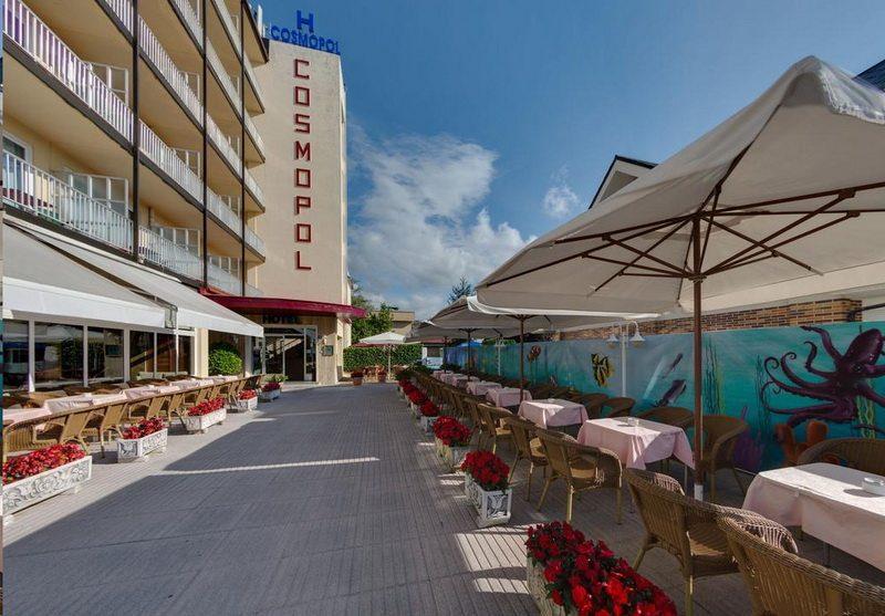 Hotel Cosmopol Hotel en Laredo Camino del Norte de Santiago