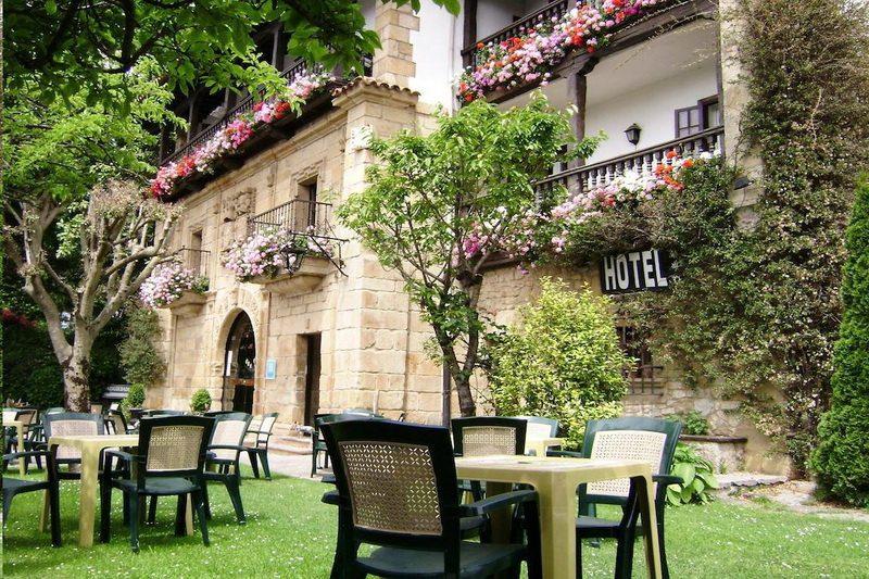 Hotel Museo Los Infantes Hotel en el Camino del Norte Santillana del Mar