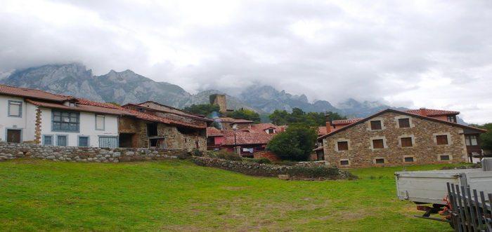 Ruta por los Picos de Europa PR-PNPE 22: PEÑA OVIEDO EL CABLE-MOGROVEJO