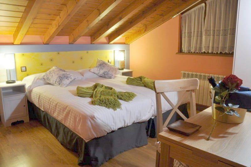 Alojamiento Bernabales, Alojamiento rural en Lierganes Cantabria, Dormir cerca de Cabarceno-C