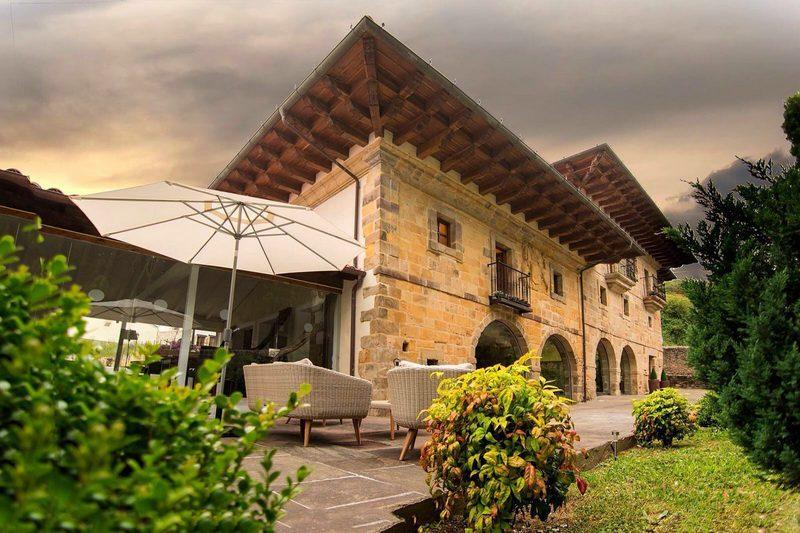 Hotel Palacio de arce, GastroHotel en Puente Arce Cantabria