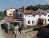 Fachada de Posada Mellante en Pechon Cantabria