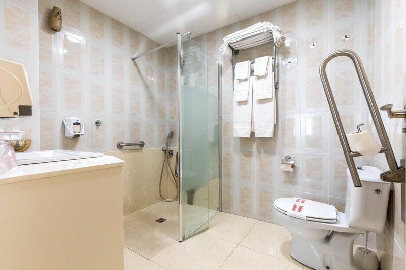 Baño con Hidromasaje del Hotel Apartamentos Don Carlos