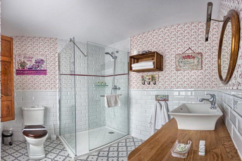 Baño con Hidromasaje del Hotel Colonial de Santillana