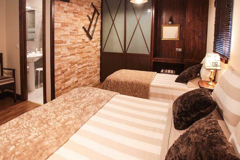 Habitación de dos camas de Posada Mies de Villa Posada en Somo Cantabria
