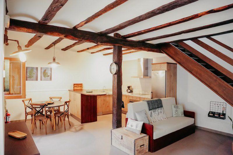 Salón cocina de Apartamentos Jardín Botáanico de Lloreda