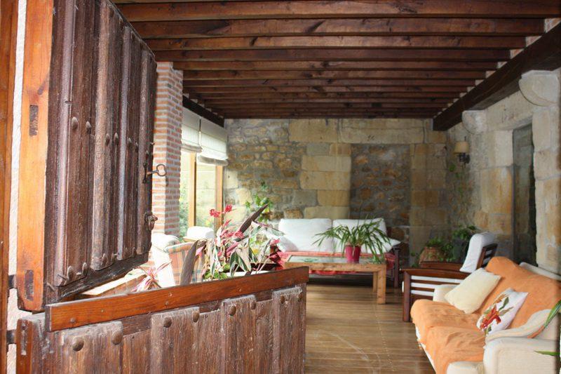Salón de Posada de Peredo y Villa