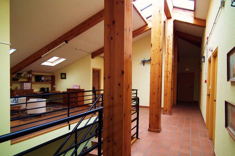 Salón distribuidor de Albergue Cantabria Aventura