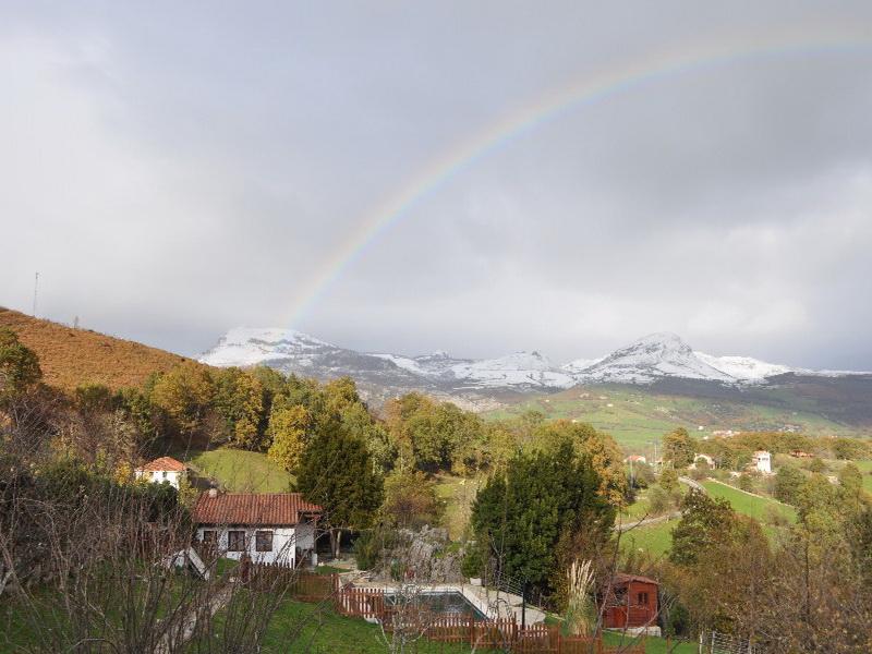 Paisaje nevado del entorno de Cabaña Val del Mazo