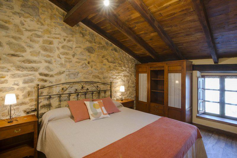 Posada Condado de la Mota, Hotel con encanto en Mogro Cantabria J