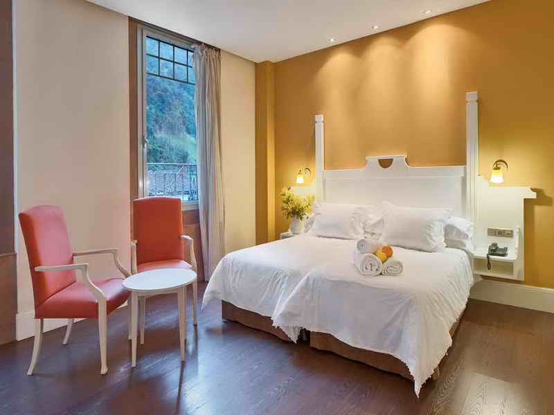 Habitación Suite en el Balneario de la Hermida