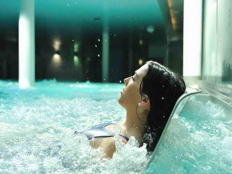 Baños en el Balneario de La Hermida