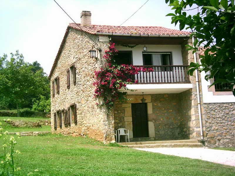 Casas rurales cantabria casas rurales con encanto for Casas rurales en santander con piscina