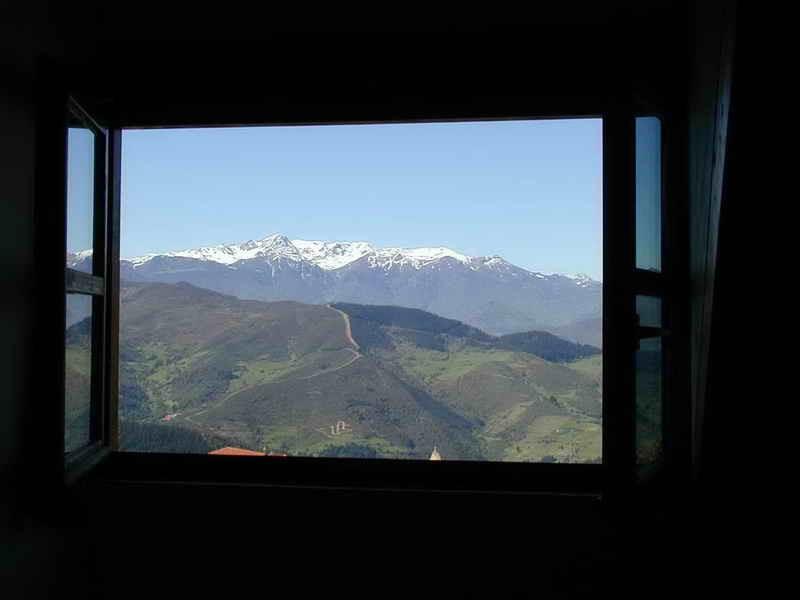 Fuente de Somave vistas de Picos de Europa desde las habitaciones